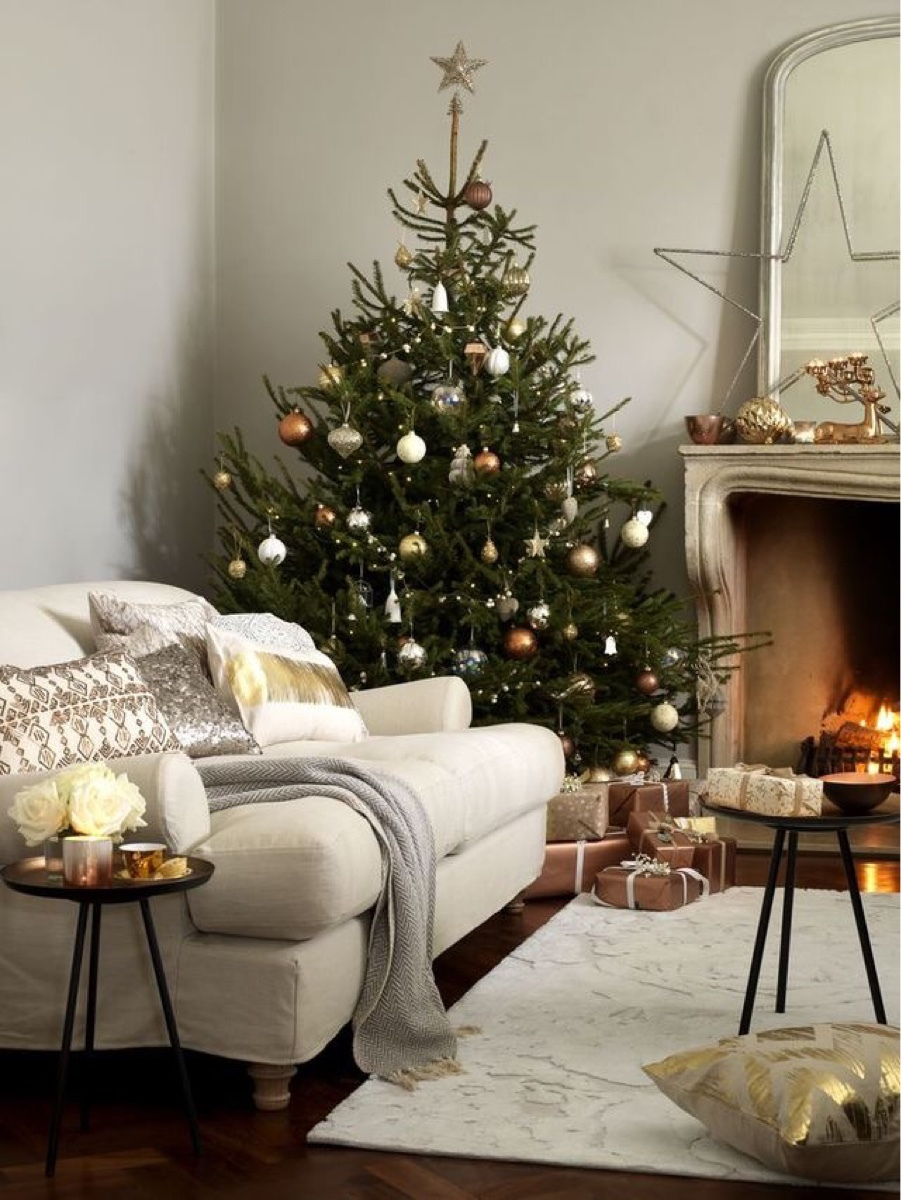 What S Hot On Pinterest Christmas Decor Trends