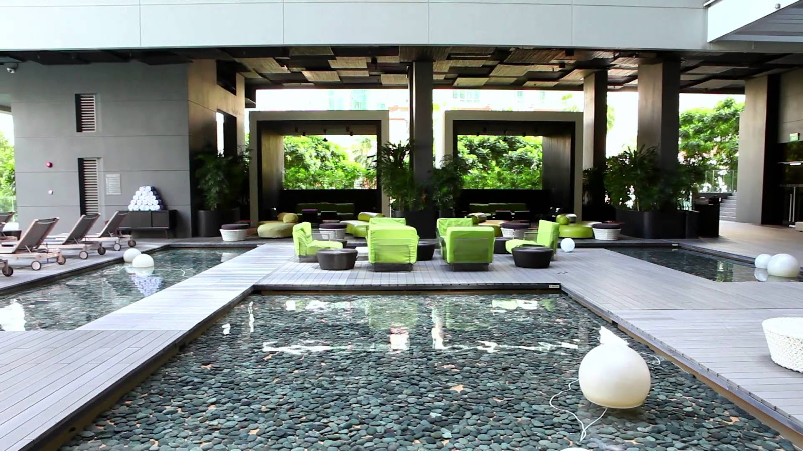 This Modern Hotel Is Notorious Because Of Its Creativity And The Beautiful Lobby Designs Lighting Ensuring A Unique Experience There No